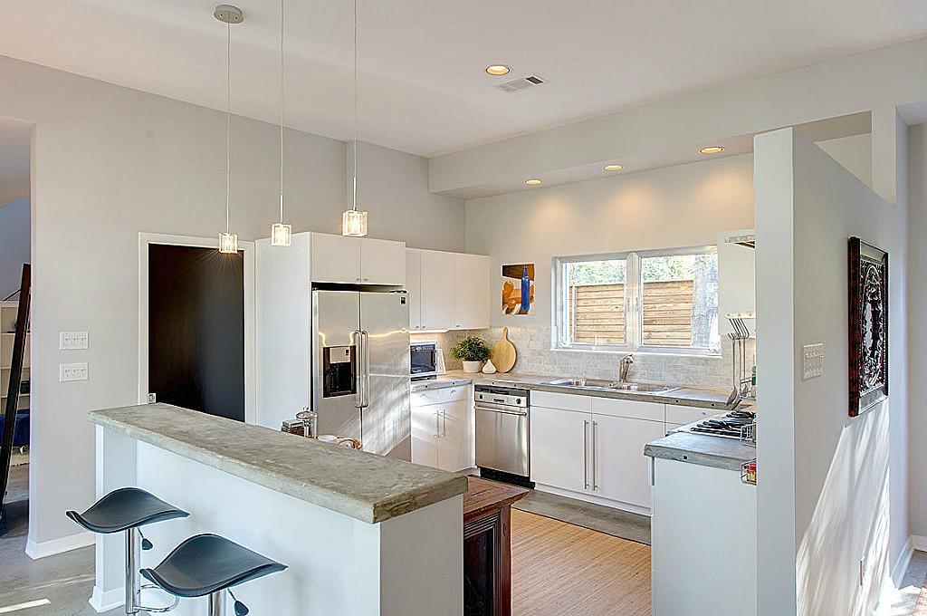 Clean kitchen Morningside
